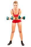 Frau, die Eignung mit Gewichten tut Lizenzfreie Stockfotos