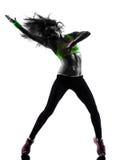 Frau, die Eignung zumba Tanzenschattenbild ausübt Lizenzfreie Stockfotografie