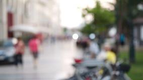 Frau, die ein Foto bei der Besichtigung macht stock footage