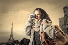 Frau, die ein Foto macht Lizenzfreie Stockfotografie