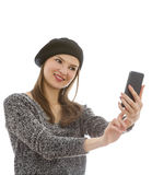 Frau, die ein selfie nimmt Lizenzfreie Stockbilder