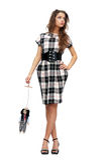 Frau, die eine Puppemarionette anhält Stockfotos