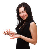 Frau, die etwas gestikuliert mit den Händen erklärt Stockbild