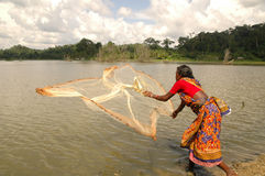 Frau, die Fischen lernt Lizenzfreie Stockbilder