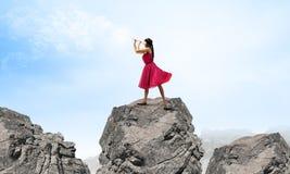 Frau, die Flöte spielt Lizenzfreies Stockfoto