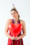 Frau, die Geburtstag oder Valentinsgrußtag feiert stockbilder