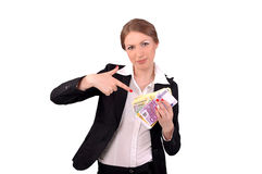 Frau, die Geld in ihren Händen zeigt Stockbilder
