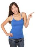 Frau, die glückliches getrennt zeigt lizenzfreies stockbild