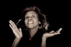 Frau, die Gott preist lizenzfreie stockfotos