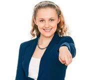 Frau, die ihren Finger auf Sie zeigt Stockfoto