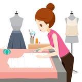 Frau, die Kleidungs-Muster macht Lizenzfreie Stockbilder