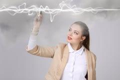 Frau, die magischen Effekt - grellen Blitz macht Das Konzept des Stroms, Hochenergie Stockfotos