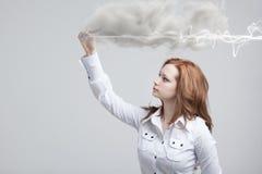 Frau, die magischen Effekt - grellen Blitz macht Das Konzept von Copywriting oder von Schreiben Lizenzfreie Stockfotos
