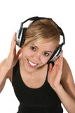 Frau, die Musik hört Lizenzfreies Stockbild