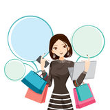 Frau, die Notizbuch, Smartphone und Einkaufstaschen hält Lizenzfreies Stockbild