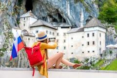 Frau, die in Slowenien reist Lizenzfreies Stockbild