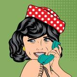 Frau, die am Telefon, Pop-Arten-Illustration plaudert Stockbild