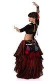 Frau, die trible Ostbauchtanz tanzt Rückseite lizenzfreie stockfotografie