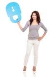 Frau, die Verschlusssymbol hält Lizenzfreie Stockbilder