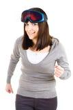 Frau, die vortäuscht, Skifahrer zu sein stockbilder