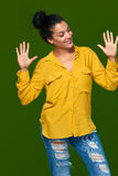 Frau, die zehn Finger zeigt Lizenzfreies Stockbild