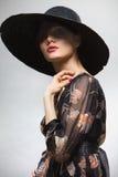 Frau in einem Hut stockfoto
