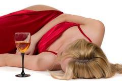 Frau in einem roten Kleid. Lizenzfreies Stockfoto