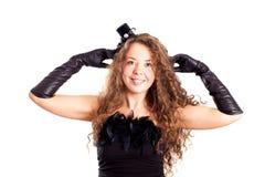 Frau in einem schwarzen Kleid Stockfotografie