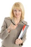 Frau in einer Geschäftskleidung, Einflüsse ein Faltblatt Lizenzfreies Stockbild