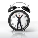 Frau in einer riesigen Uhr Lizenzfreie Stockbilder