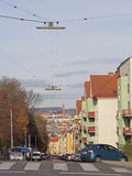 Frau fährt Fahrrad, das in Wien, Österreich im Freien ist Stockfotos