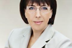 Frau gealterte Gläser Stockfotografie
