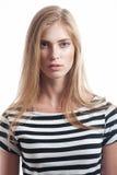 Frau in gestreiftem Hemd Lizenzfreie Stockfotografie