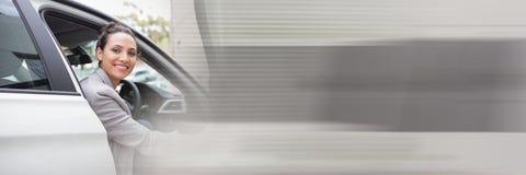 Frau im Auto mit Übergangseffekt Lizenzfreies Stockfoto
