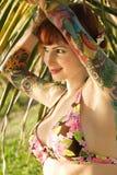 Frau im Bikini. lizenzfreies stockfoto
