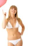 Frau im Bikini mit Inneres geformtem baloon Stockbild