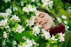 Frau im Frühjahr Lizenzfreies Stockbild