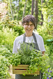 Frau im Garten Stockfoto