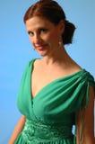 Frau im grünen Kleid Stockbild