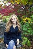 Frau im Herbst Lizenzfreies Stockfoto