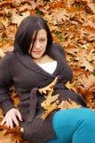 Frau im Herbst Stockbild