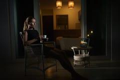 Frau im Hotel Lizenzfreie Stockfotografie
