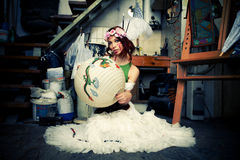 Frau im Kunststudio Lizenzfreie Stockfotos