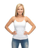 Frau im leeren weißen T-Shirt Lizenzfreies Stockfoto