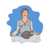 Frau im Lotussitz und in der Katze meditation Lizenzfreies Stockfoto