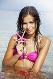 Frau im Meer Stockfotos