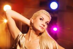 Frau im Nachtclub Lizenzfreies Stockfoto