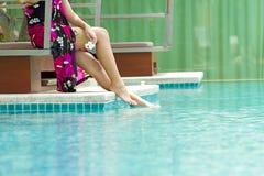 Frau im Pool Lizenzfreie Stockbilder