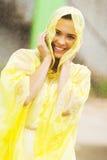 Frau im Regen lizenzfreies stockbild