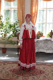 Frau im Retro- Kleid Lizenzfreie Stockbilder